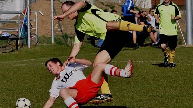 Sousedovice v jarní premiéře porazily Strunkovice nad Blanicí 2:0.