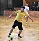Jaroslav Volmut (u míče) zatížil konto gólmana Se-šlosti šesti brankami.