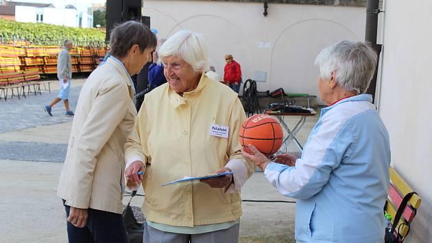 Na hradě ve Strakonicích se konaly IV. Sportovní hry pro seniory.