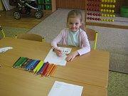 OBRAZEM: Třináct budoucích prvňáčků přišlo k zápisu do školy v pátek třináctého.