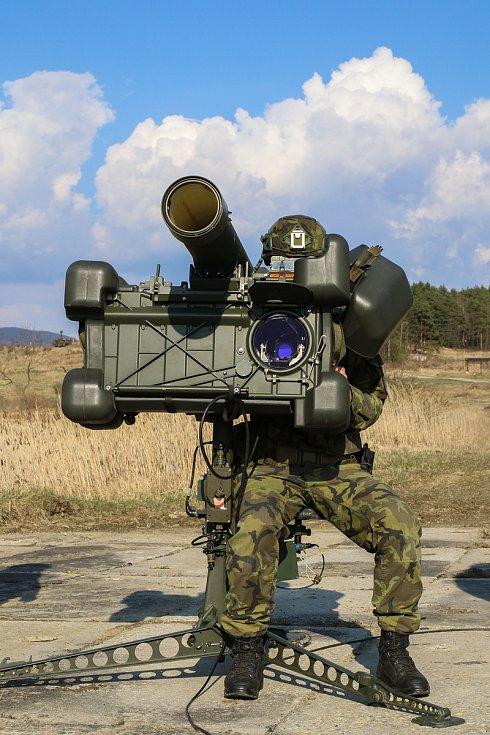 Hlavní zbraň jednotky – protiletadlový raketový komplet RBS-70.