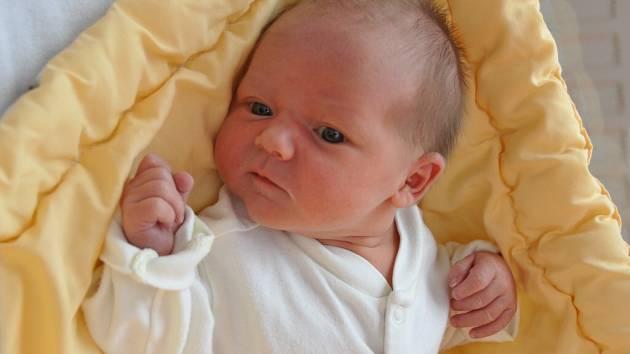 Amálie Šilhanová, Kadov, 12.6. 2016 v 00.31 hodin, 3000 g. Malá Amálie je prvo-rozená.