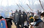 Již čtvrtý ročník rekonstrukce středověké bitvy mohlo na pět tisíc diváků vidět v sobotu mezi rybníky Škaredý a Markovec u Sudoměře.