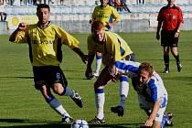 Strakonice (v modrém) podruhé v sezoně vyhrály, Hořovicko doma porazily 2:1.