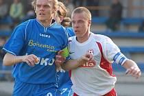 Strakoničtí fotbalisté nedali už tři zápasy v řadě gól. Poslední, kdo se trefil, byl Tomáš Kostka (vlevo) v domácím duelu proti Voticím (3:2).
