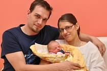 Petra Švecová, Čejetice, 24.5. 2016 v 10.15 hodin, 3440 g. Dvouletá Kačenka má malou sestřičku.
