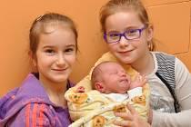 Michal Sekyra, Bílsko, 21.12. 2015 v 16.23 hodin, 3440 g. Malý Michal má sestry Karolínku (8) a Marušku (6).
