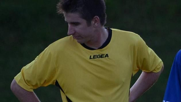 Radim Kuneš si dal vlastní gól, který rozhodl o prohře Sedlice v Prachaticích 0:1.