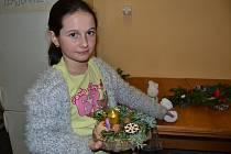 V sobotu 25. listopadu ženy a děti tvořily vánoční dekorace.