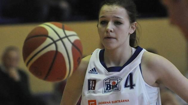 Jolana Krejčová hraje za mladší dorostenky i starší žákyně.