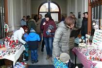 Vánoční jarmark a dílnička pro děti v Berušce.