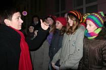 Zpívání na strakonickém Velkém náměstí.