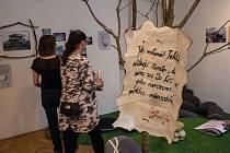 Městské muzeum v Blatné připravilo výstavu, které lidem přiblíží pověsti Blatenska a různé tajemné postavy, o nichž se v okolí vypráví. Navštívit ji můžete do 25. srpna.