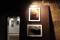 Výstava fotografií Hledání v černé kuchyni strakonického hradu.