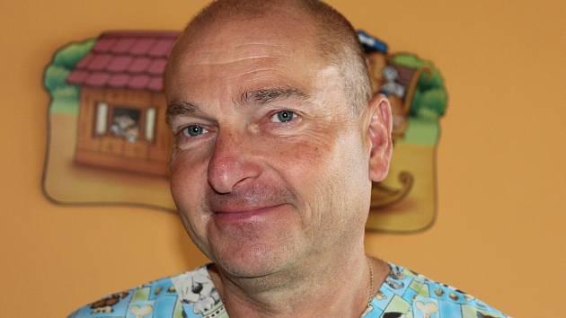 MUDr. Petr Lyer z dětského oddělení Nemocnice Strakonice.
