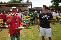 Břink celé akci dávala moderátorská dvojice Rádia Kiss Jižní Čechy Coco Jambo a Jarda Košatka (zleva).