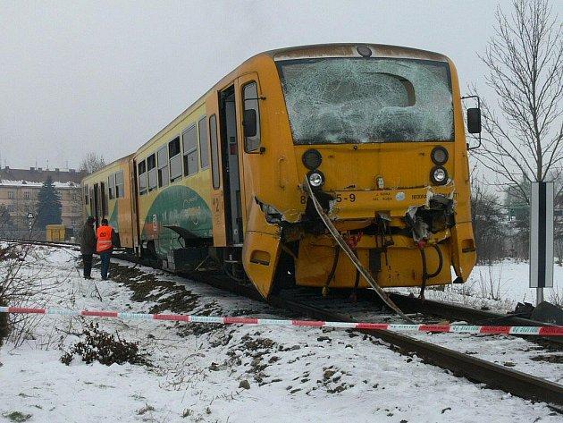Havarovaný osobní vlak u Vodňan.