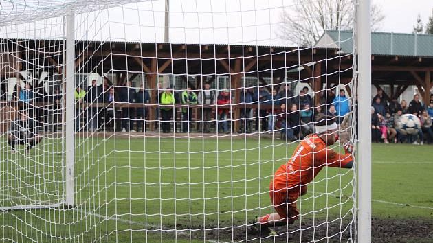 Fotbalová divize: Katovice - Klatovy 1:1 - penalty 6:7.