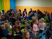 Na desítky dětí zavítalo v sobotu 17. listopadu na divadélko ve Smetanově ulici.