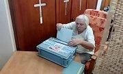 Domov klidného staří sv. Anny Sousedovice, z 30 klientů volí v kapli 8 lidí.