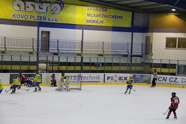 Hokejoví osmáci remizovali 3:3.