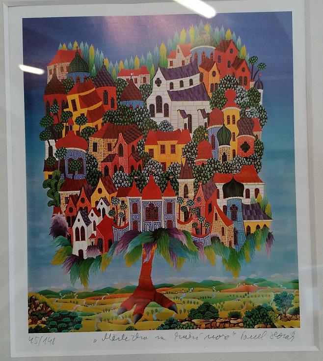 Infocentrum ve Vodňanech zaplnila fantaskní výstava Malovaný domov  malíře Pavla Horáka.