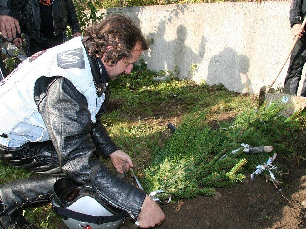 Motobobři zakončili sezonu 2009 funusem pincka a vyjížďkou.