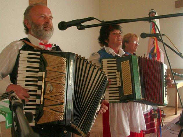 Na setkání zahráli i Marnotratníci z Vimperka.