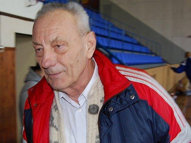 Miroslav Vondřička oslavil 75. narozeniny.