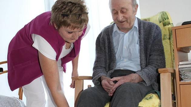 Centrum sociální pomoci ve Vodňanech získalo příspěvek 30 tisíc korun. Použije ho na nákup dvou speciálních geriatrických křesel pro seniory domova.