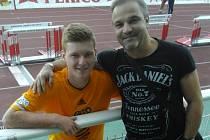 Michal Bezpalec ml. hraje pravidelně ligu, Michal Bezpalec st. fandí.