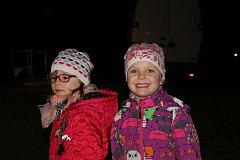 Na putování za svatým Martinem se vydaly děti v pátek 9. listopadu na Pražáku.