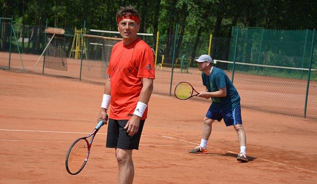 OBRAZEM: K pravidelným tréninkům využívá Tenisový klub Vodňany čtyři antuková hřiště na městském sportovním areálu Blanice.