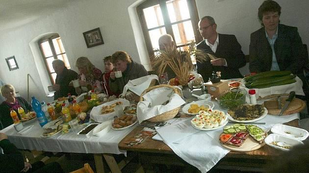Zahájení sezony na mlýně v Hoslovicích.