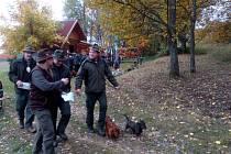 Zkoušky byly vyhlášeny pro jezevčíky, teriéry, honiče, barváře a slídiče.