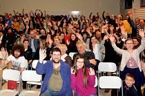 Na desátém ročníku Pecha Kucha Night vystoupilo osm účinkujících, kteří originálním způsobem v průběhu večera představili svou profesi téměř 500 divákům . Akci pořádalo občanské sdružení Vodňany žijou.