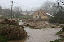 Povodněmi zničené Bílsko.