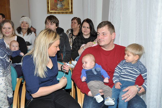 Ve čtvrtek 1. března přivítal starosta Břetislav Hrdlička v obřadní síni městského úřadu ve Strakonicích nové občánky města.