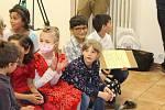 Děti v dětském domově slavily.