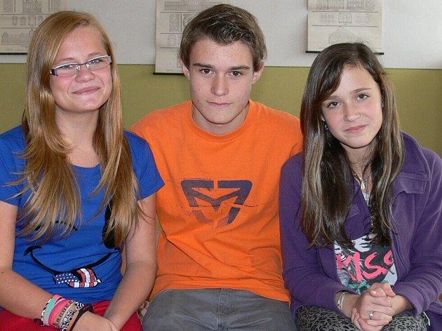 Zleva Simona Doležalová (8.A), Matěj Kostka (8.B) a Kateřina Hálová (8.A).