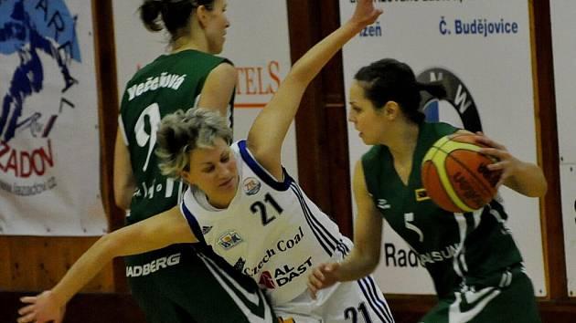 Druhý zápas o třetí místo v ŽBL vyhrál Valosun opět o deset bodů. Strakonice budou doma odvracet dva mečboly.