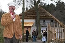 Slavnostní ukončení prací na hoslovickém mlýně mělo historický charakter. Vpředu ředitel Muzea středního Pootaví Miroslav Špecián.