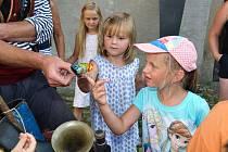 V neděli 5. srpna předvedl na nádvoří hradu ve Strakonicích Vojta Vrtek své žonglérské a artistické umění.