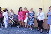 Detašované pracoviště strakonické nemocnice ve Vodňanech má novou sanitku.