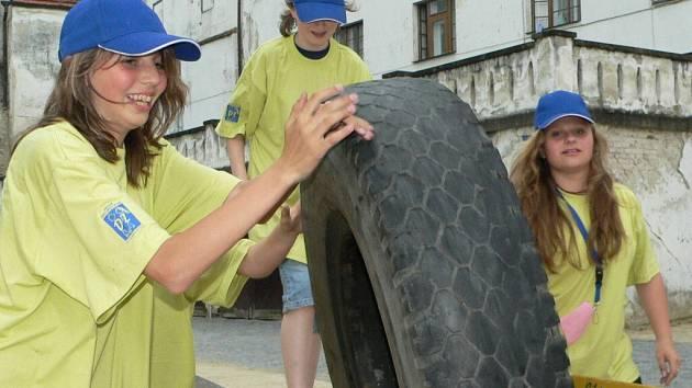 Dětské zastupitele čekaly na strakonickém hradě různé disciplíny.