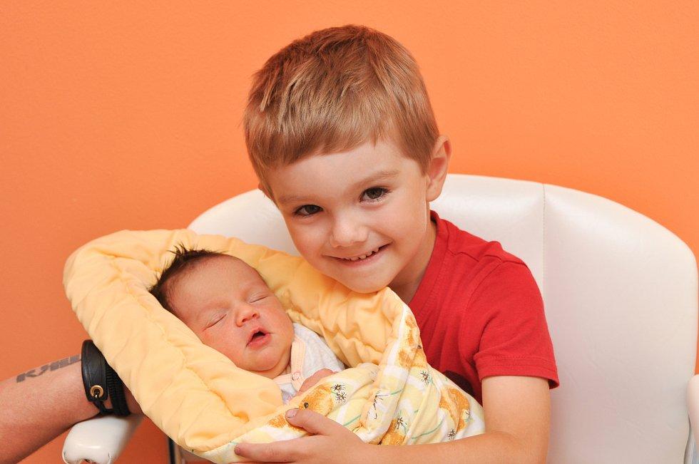 Mia Anna Pařízková z Horažďovic. Mia se narodila 12. července 2019 ve 4 hodiny a 25 minut a její porodní váha byla 2890 gramů. Mikuláš (4) již sestřičku doma netrpělivě vyhlížel.