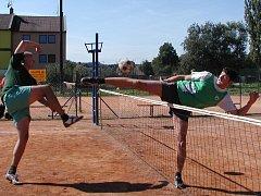 Dvanáctihodinový nohejbalový maraton měl letos už 5. ročník.