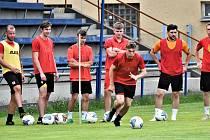 Junior odstartoval přípravu na novou sezonu. Trénink vedl sportovní manažer Tomáš Čakrt, který zaskakoval za trenéra Luďka Cimrhanzla.