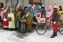 Ve Škvořeticích se každoročně koná maškarní průvod. Mezi oblíbené akce v obci patří také dětské diskotéky nebo mikulášská. V posledních letech jsou oblíbené divadelní představení ochotnických souborů a různé besedy.