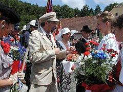 Tradičního přivítání se T.G. Masarykovi s chotí dostalo v Tažovicích. To vše v podání ochotníků, kteří tak připomněli jeho někdejší návštěvu v této obci.